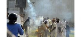 400 جريح ووفاة شخص في المواجهات بين الشرطة والمحتجين في إسلام آباد